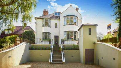 5 Bedrooms Detached House for sale in Warren Road, Orpington, Kent