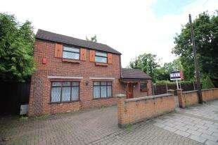 3 Bedrooms Detached House for sale in Blakeney Road, Beckenham