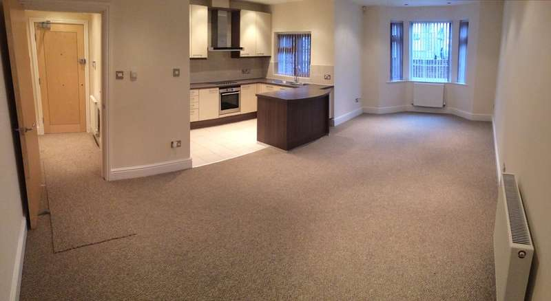 2 Bedrooms Flat for rent in Woodford Apartments, Hillside Drive, Woolton, L25