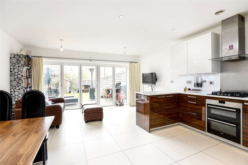 4 Bedrooms Terraced House for sale in India Way, London, SW15