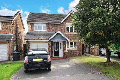 4 Bedrooms Detached House for sale in Fair Holme View, Armthorpe, Doncaster