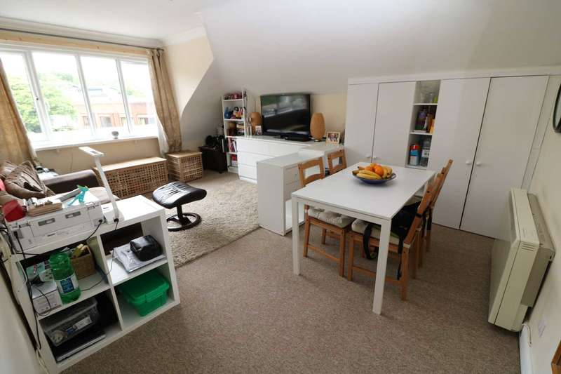2 Bedrooms Flat for sale in Old Christchurch Road, Bournemouth