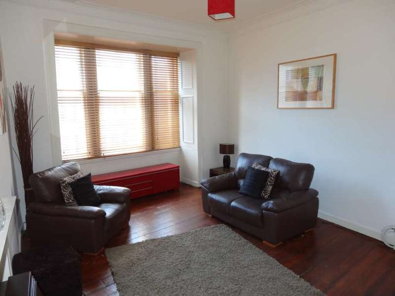 2 Bedrooms Flat for rent in Castle Street, Paisley