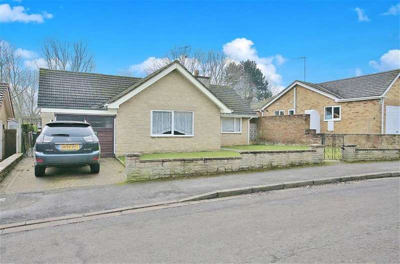 3 Bedrooms Detached Bungalow for sale in Trinity Close, Banbury, Oxfordshire, OX16