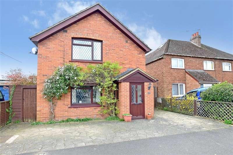 3 Bedrooms Detached House for sale in Hilden Park Road, Hildenborough, Tonbridge, Kent
