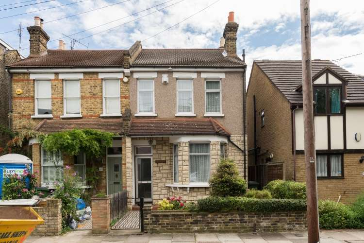 3 Bedrooms Semi Detached House for sale in Meadowcourt Road Blackheath SE3