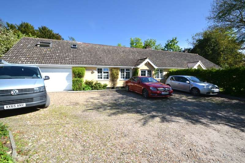 5 Bedrooms Bungalow for sale in The Green, Ipswich, Suffolk, IP8