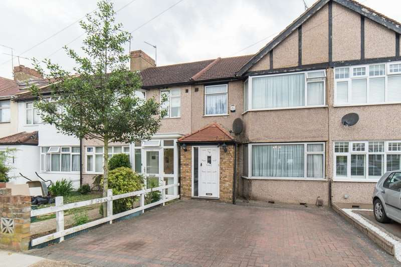 3 Bedrooms Terraced House for sale in Denecroft Crescent, Uxbridge, Middlesex, UB10