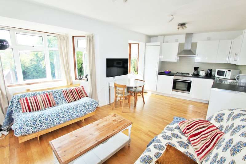 3 Bedrooms Flat for sale in Cloister Road, London, London, W3