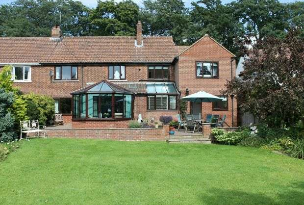4 Bedrooms Semi Detached House for sale in The Avenue, Hutton Gate, Guisborough