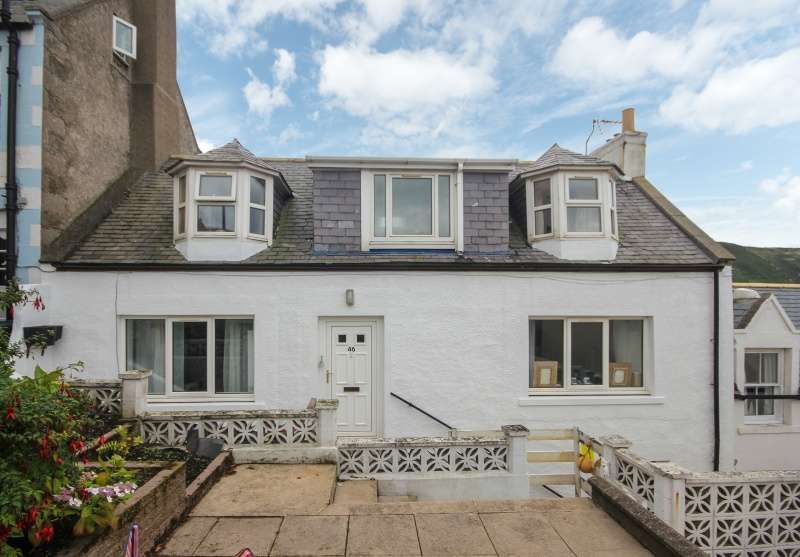 2 Bedrooms Cottage House for sale in Seatown, Gardenstown, Banff, Aberdeenshire, AB45 3YQ