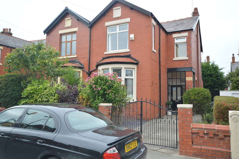 3 Bedrooms Semi Detached House for sale in St. Vincent Avenue, Blackpool