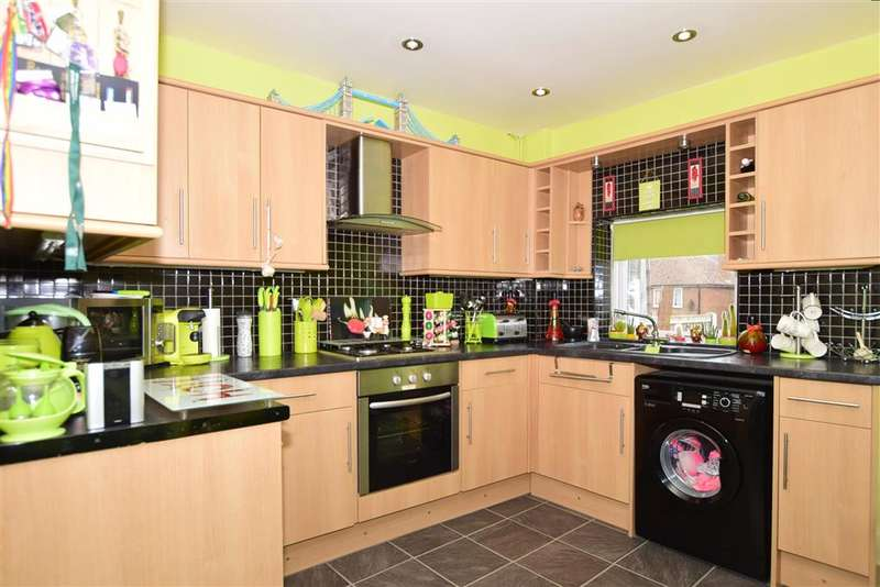 2 Bedrooms Terraced House for sale in Nash Court Gardens, Margate, Kent