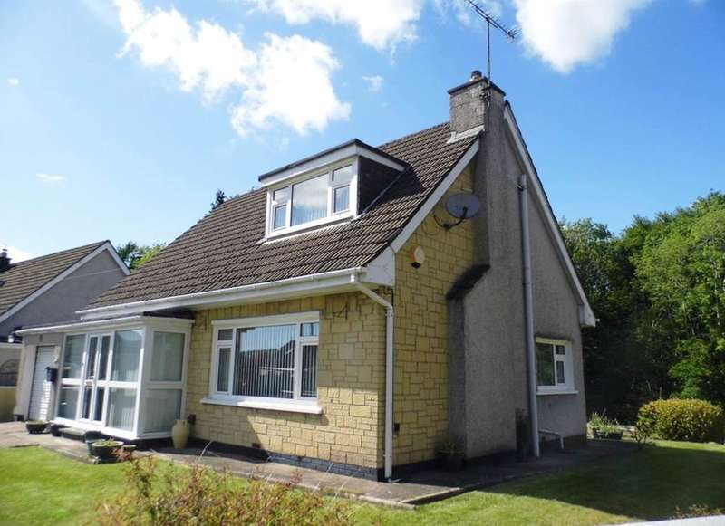 3 Bedrooms Detached Bungalow for sale in Brynau Road, Taffs Well, Cardiff