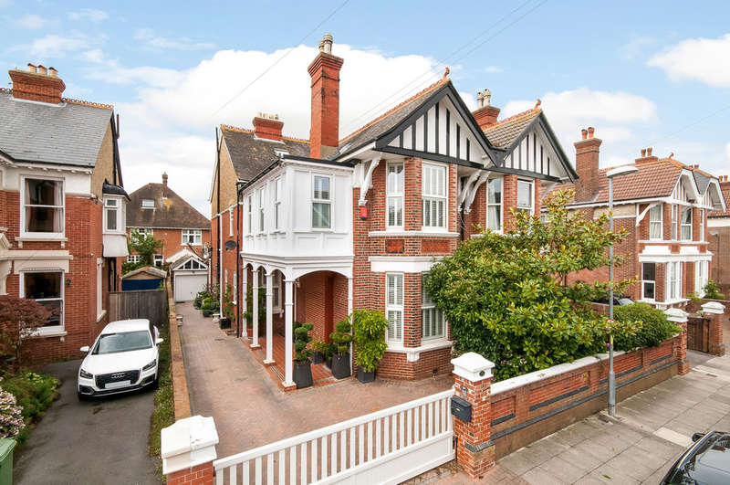 5 Bedrooms Semi Detached House for sale in Southsea, Hampshire