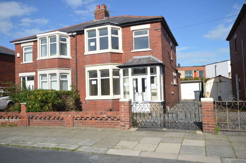 3 Bedrooms Semi Detached House for sale in Marcroft Avenue, South Shore