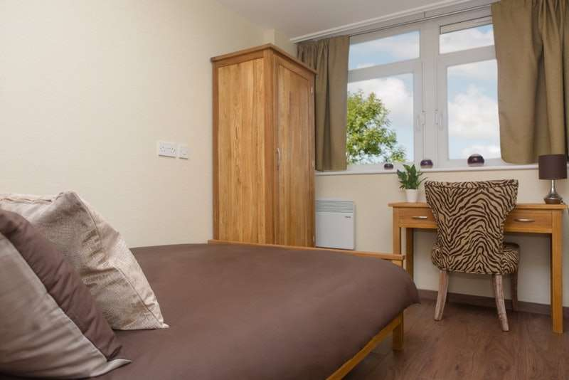 3 Bedrooms Flat for sale in Trinity Road, Bootle, Liverpool, L20