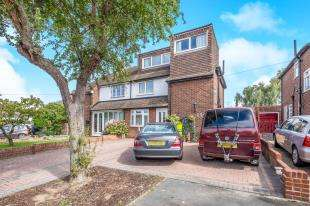 4 Bedrooms Semi Detached House for sale in Berengrave Lane, Rainham, Gillingham, Kent