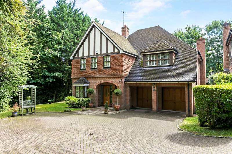 5 Bedrooms Detached House for sale in The Clump, Rickmansworth, Hertfordshire, WD3