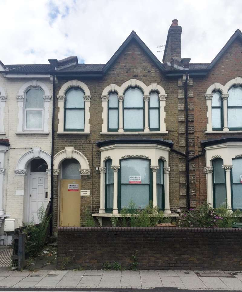 3 Bedrooms Terraced House for sale in Blackhorse Road, Walthamstow, London, E17 7AH