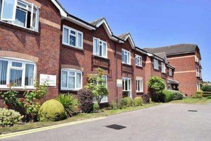 1 Bedroom Flat for sale in Kensington Court, Church Road, Formby, Merseyside, L37