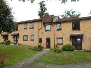 2 Bedrooms Flat for sale in Joseph Conrad House, Bishops Way, Canterbury, Kent