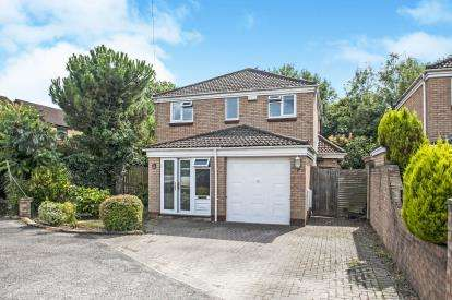 4 Bedrooms Detached House for sale in The Wheatridge, Abbeydale, Gloucester, Gloucestershire