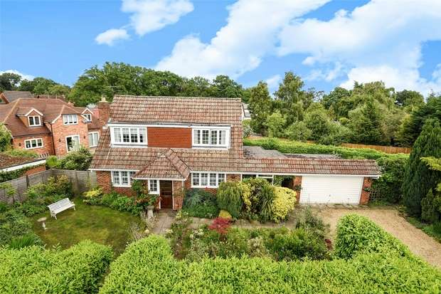 3 Bedrooms Detached House for sale in Doles Lane, WOKINGHAM, Berkshire