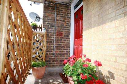 1 Bedroom Flat for sale in Pound House, Pound Way, Cowley, Oxford