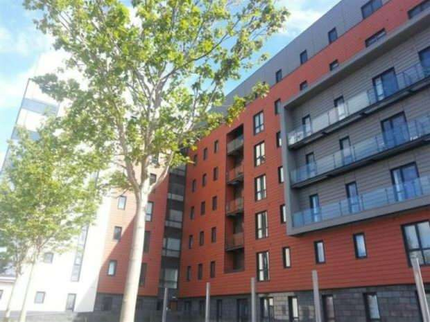 3 Bedrooms Apartment Flat for sale in The Gallery, 14 Plaza Boulevard, Liverpool