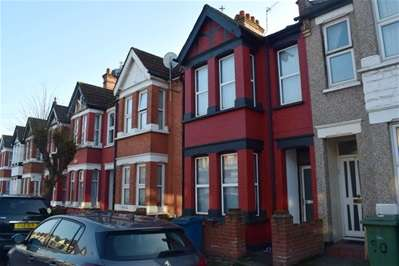 3 Bedrooms Terraced House for sale in Herga Road, Wealdstone