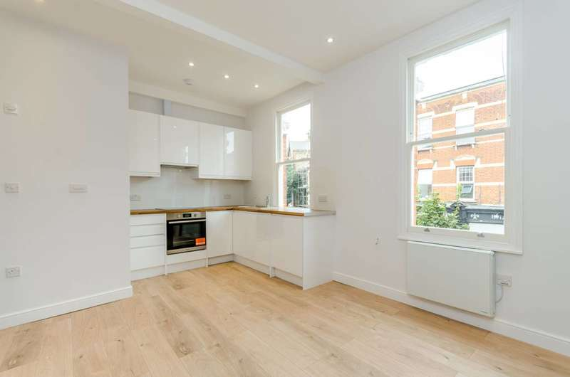 1 Bedroom Flat for sale in Leopold Road, Wimbledon, SW19