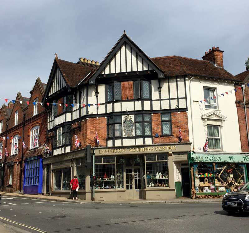 Commercial Development for sale in 19-21 High Street, Lyndhurst, SO43 7BB