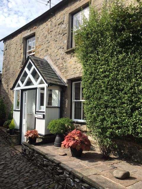 1 Bedroom Detached House for rent in Swinemarket, Kirkby Lonsdale, Cumbria, LA6 2FT