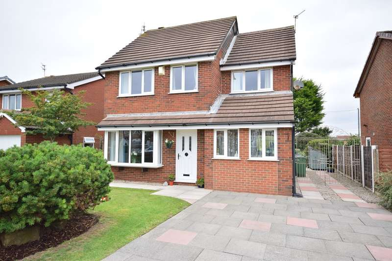 4 Bedrooms Detached House for sale in Highbury Road East, Lytham St Annes, FY8