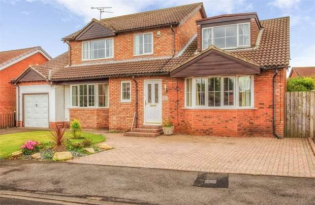 4 Bedrooms Detached House for sale in Hatfield Drive, Seghill, Cramlington, Northumberland