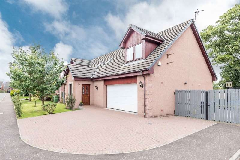 4 Bedrooms Detached House for sale in Old Mill Place, Friockheim, Angus, DD11 4US