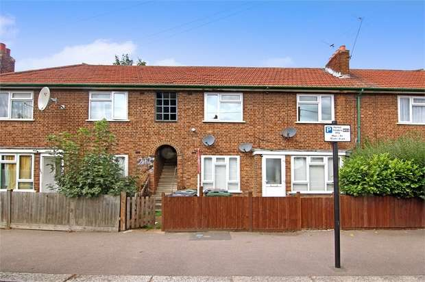 2 Bedrooms Flat for sale in Shernhall Street, Walthamstow, London
