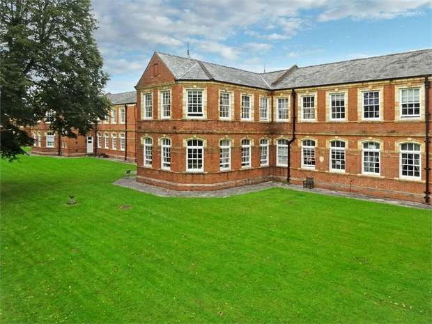 2 Bedrooms Flat for sale in 38 South Grange, Clyst Heath, EXETER, Devon