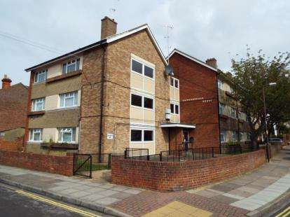 1 Bedroom Flat for sale in St. Ronans Road, Southsea, Hampshire