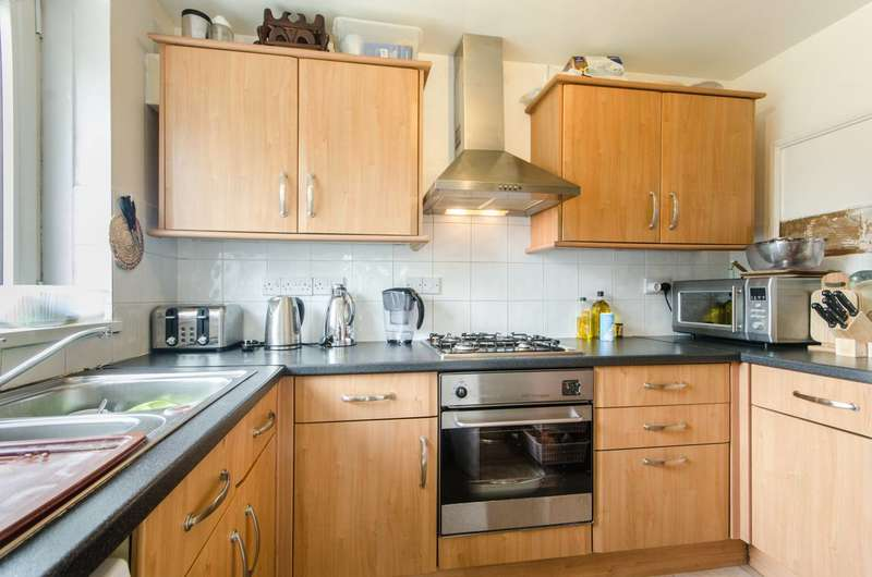 1 Bedroom Flat for sale in Clarence Avenue, Clapham Park, SW4