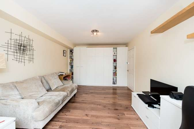 Flat for sale in Ormsby Lodge, The Avenue, Chiswick