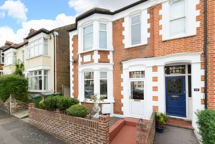 3 Bedrooms Terraced House for sale in Hopedale Road Charlton SE7