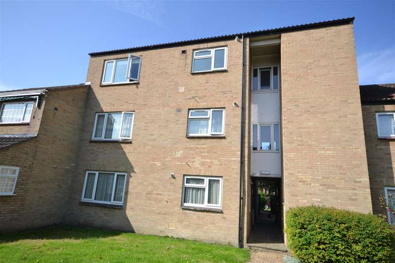 2 Bedrooms Apartment Flat for sale in West Drive Gardens, Soham