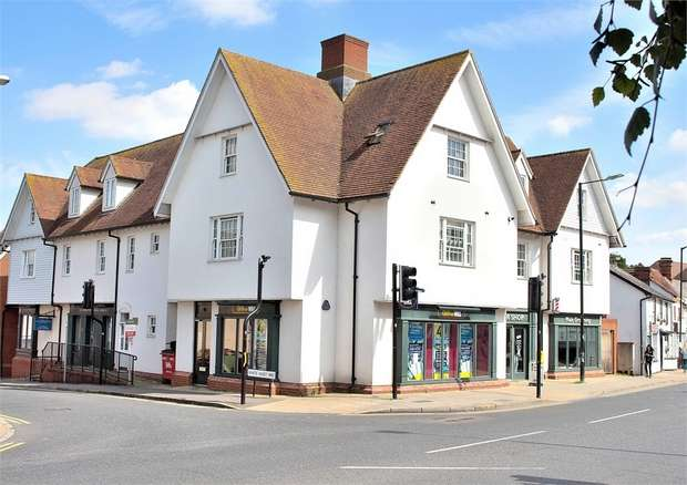 2 Bedrooms Flat for sale in White Hart Way, Dunmow, Essex