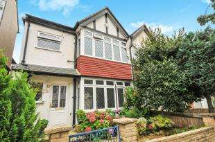 4 Bedrooms Semi Detached House for sale in Temple Road, Croydon
