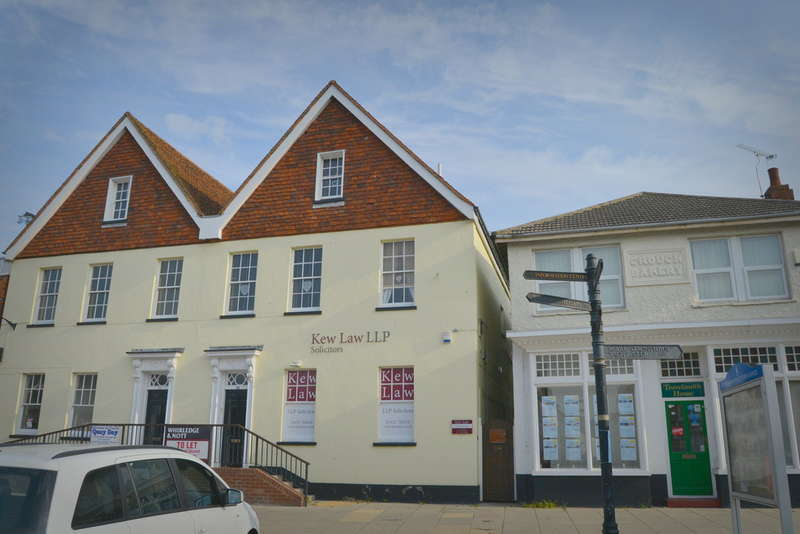 2 Bedrooms Flat for sale in High Street, Burnham-on-Crouch