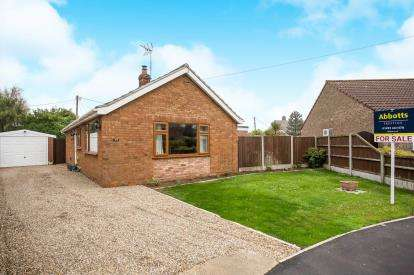 3 Bedrooms Bungalow for sale in Scratby, Great Yarmouth, Norfolk