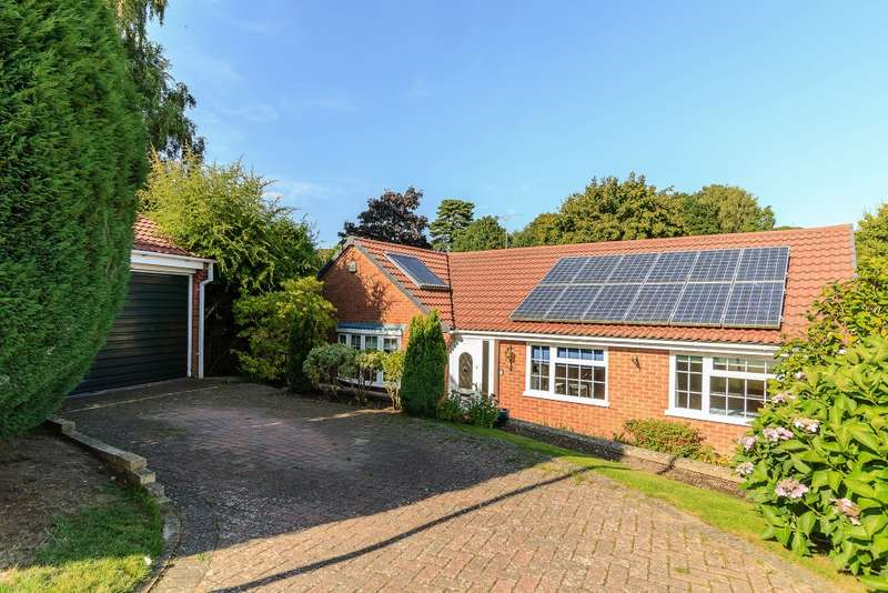 3 Bedrooms Detached Bungalow for sale in Farnham