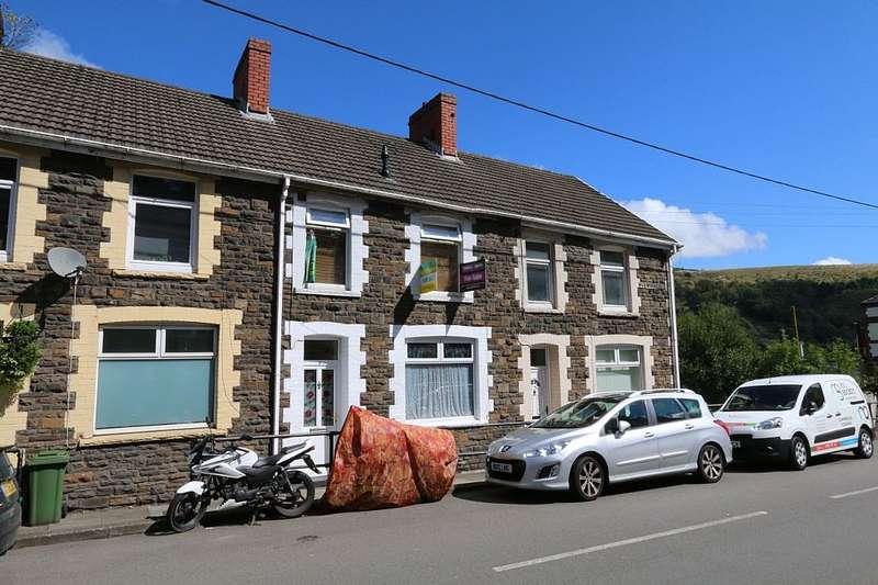 3 Bedrooms Terraced House for sale in Pentwyn Avenue, Mountain Ash, Caerffili, CF45 4YE